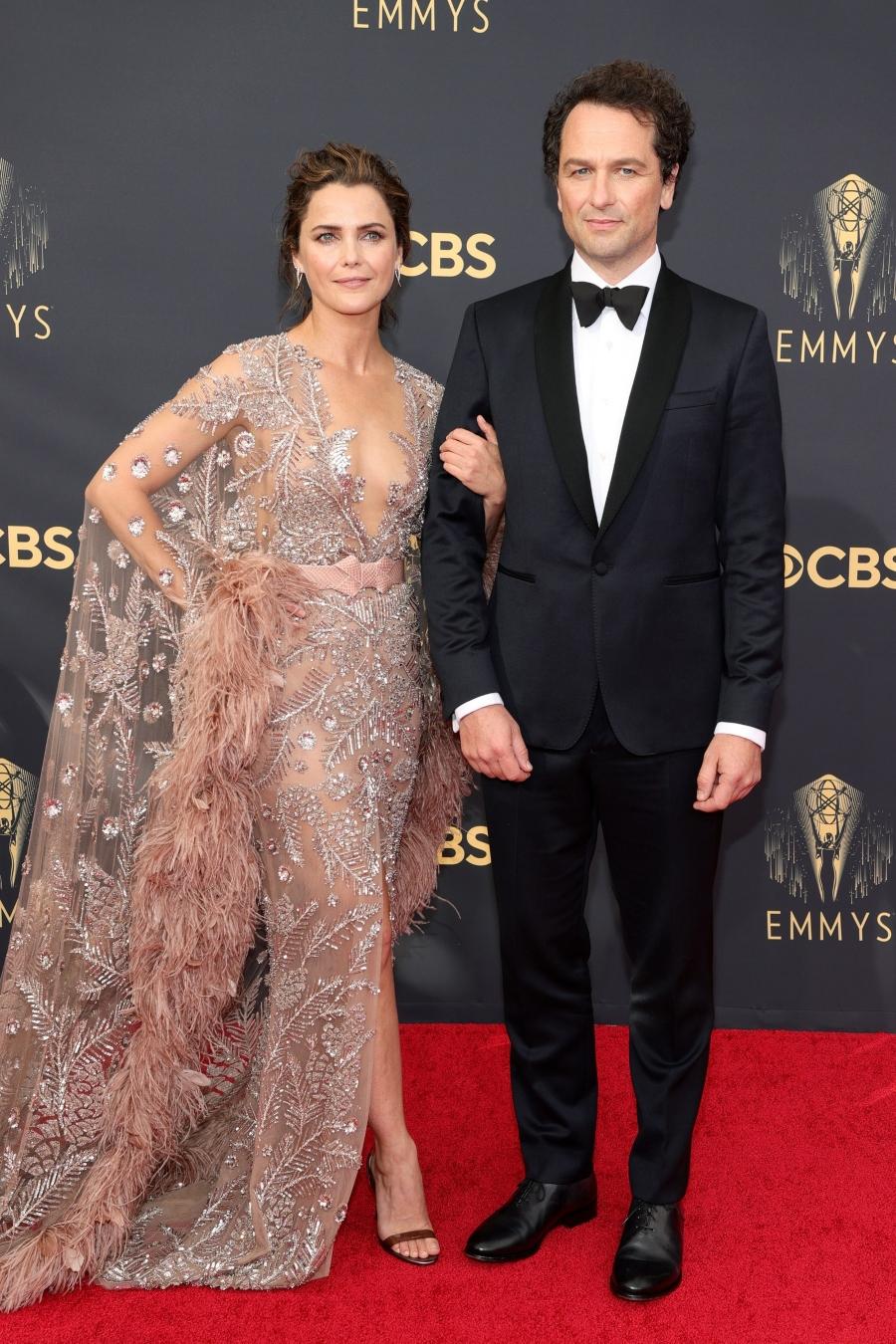 Mỹ nhân Star Wars Keri Russell và Matthew Rhys