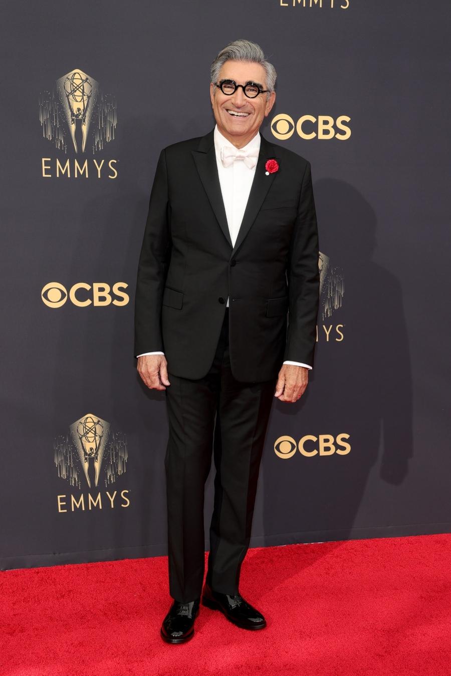 Eugene Levy lịch lãm trong bộ vest của nhà mốt Valentino