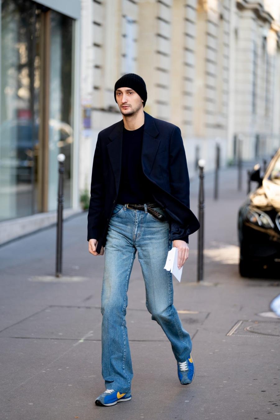 Blazer cùng với quần jeans