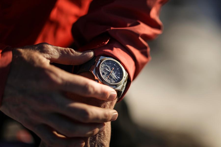 "Đồng hồ phiên bản giới hạn Overseas ""Everest"""